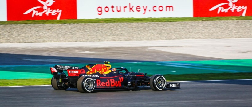 Formula 1 Grand Prix's Champion is Both Istanbul and Hamilton